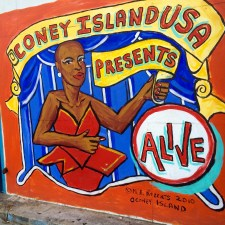 The Coney Island Sideshow is ALIVE!