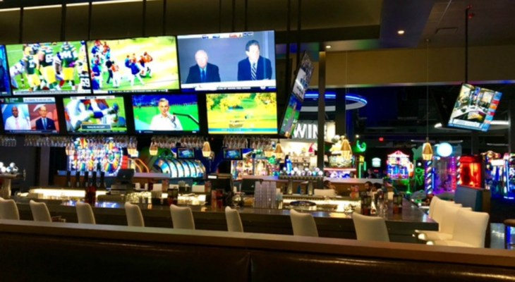 Fresno Welcomes Dave & Busters: Photos & First Impressions
