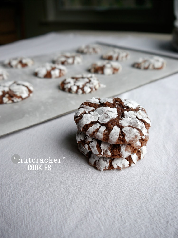 Nutcraker-nutella-crackle-cookies