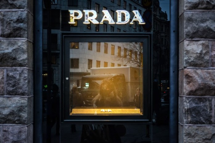 empty prada display