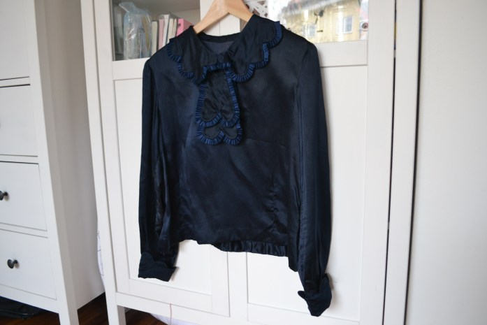 1920s scallope blouse in midnight blue