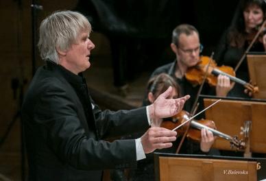 Maestro Friedrich Pfeiffer dirigiert Verdis Requiem in der Bulgaria Hall