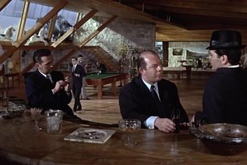 """""""Missione Goldfinger (Goldfinger)"""", 1964, Sean Connery nel ruolo di James Bond, regia di Guy Hamilton, scenografia di Ken Adam"""