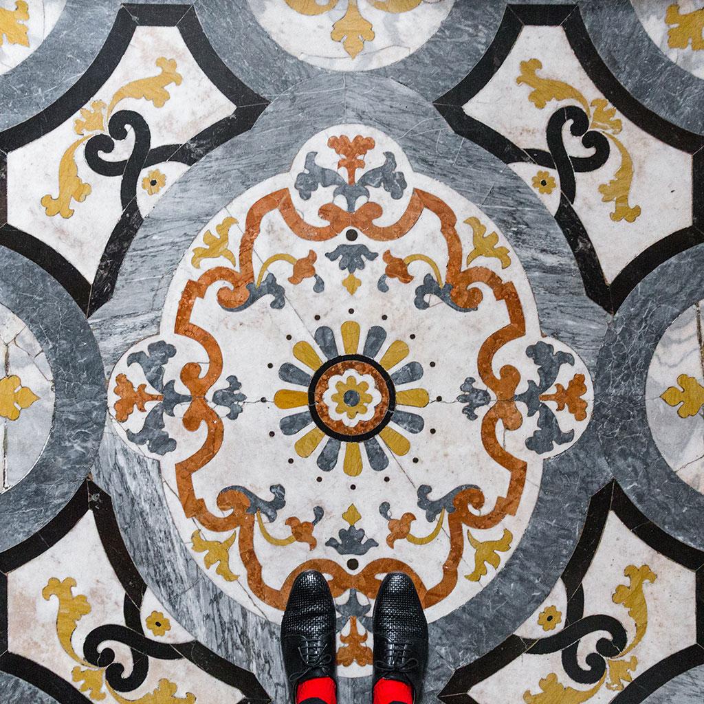 I piedi di sebastian erras sui pavimenti di venezia for Pavimenti di 3000 piedi quadrati