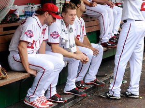 Mr. Papelbon, center, after lunging at Mr. Harper.