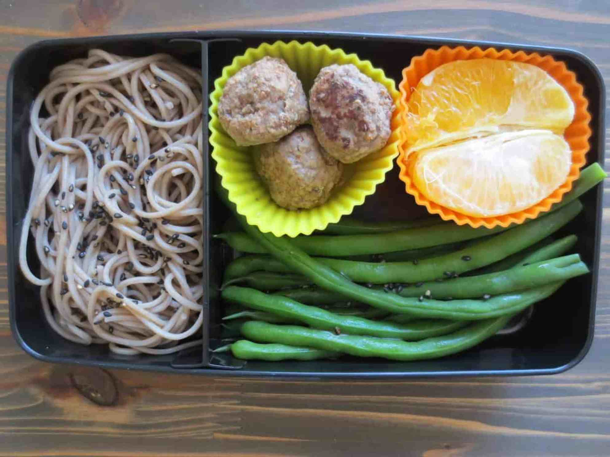Sesame Soba and Green Beans Bento Box