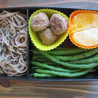 Sesame Soba and Green Beans Bento Box