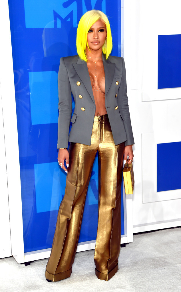 MTV VIDEO MUSIC AWARDS 2016 RED CARPET BEST AND WORST DRESSED