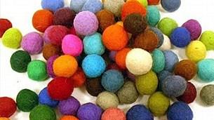 felt-balls