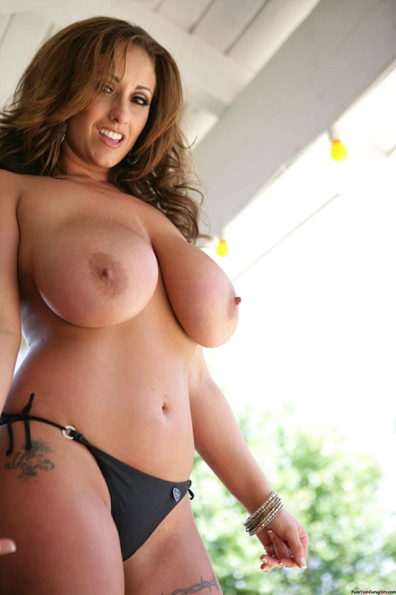 thick curvy latina yoga
