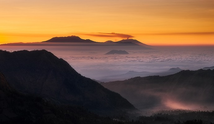 The view east across Java from Mount Bromo at sunrise.  Fuji X-T10 & XF55-200mm