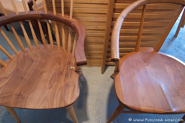 The difference between young wood (left) and old (right).