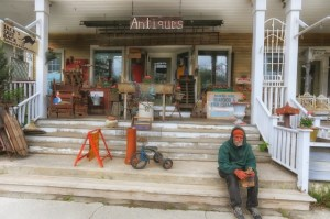 Jacks Out Back Art Gallery and Antiques