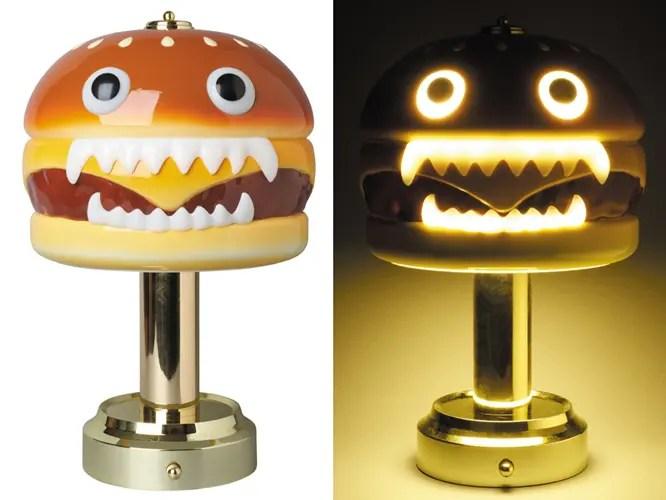 アンダーカバー(UNDERCOVER)から怪しい光を放つハンバーガー型ランプが発売! (HAMBURGER LAMP)