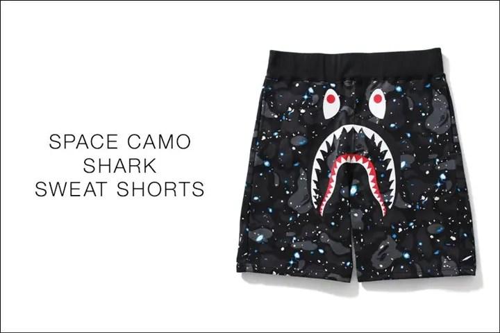 A BATHING APEから宇宙を蓄光GIDプリントで表現したスペースカモ × シャークモチーフ デザイン スウェットショーツ「SPACE CAMO SHARK SWEAT SHORTS」が5/21から発売!(エイプ)