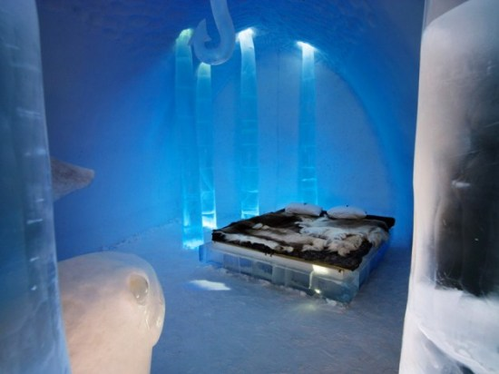 Hotel-made ​-of-ice-and-snow-in-Sweden-021