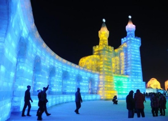 Ice-and-Snow-Sculpture-Festival-032