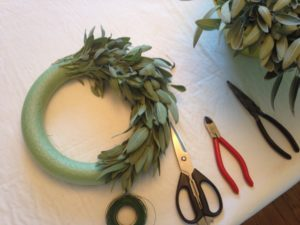 Sage wreath http://www.funhappinessandlife.com/five-uses-for-sage
