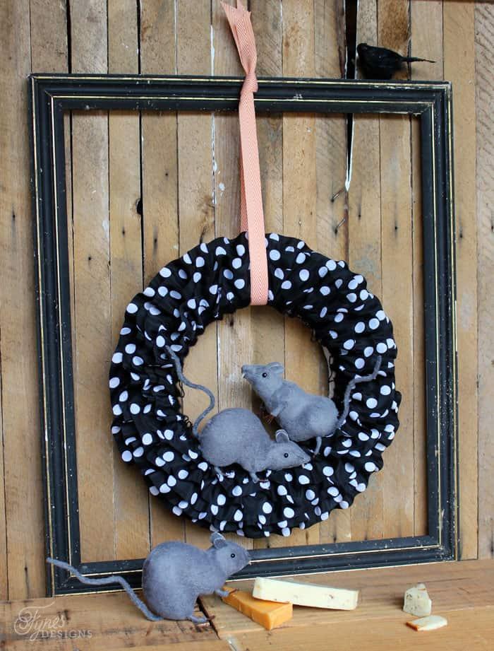 Easy to make Halloween Rat wreath