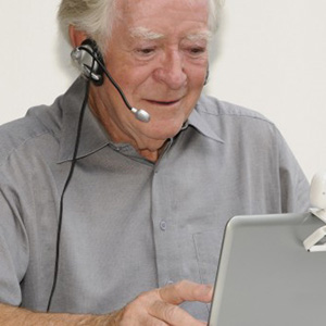 webcam_headset_laptop_notebook_old_man_0