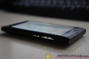 Nokia N9 Volume Rocker and Power Button