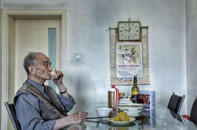 Fotos comoventes mostram a vida de um idoso antes e depois de sua esposa falecer