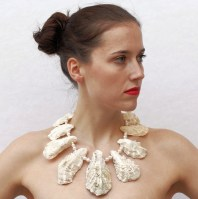 necklace oyster white OK 300