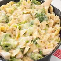 Chicken, Broccoli, & Pasta Skillet Casserole