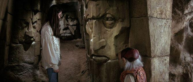 Die Reise ins Labyrinth - Sprechende Steinwände