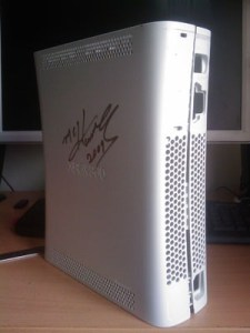 Xbox 360 case - Signed by MC Hammer 1