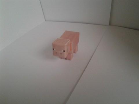 Minecraft pig papercraft model