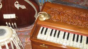 kirtan_instruments_018_SMALL8b5e95