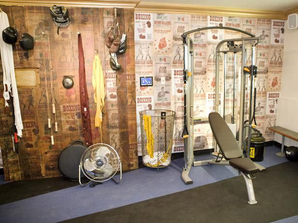 Inspirational garage gyms ideas gallery pg 6 garage gyms for Best wall color for home gym