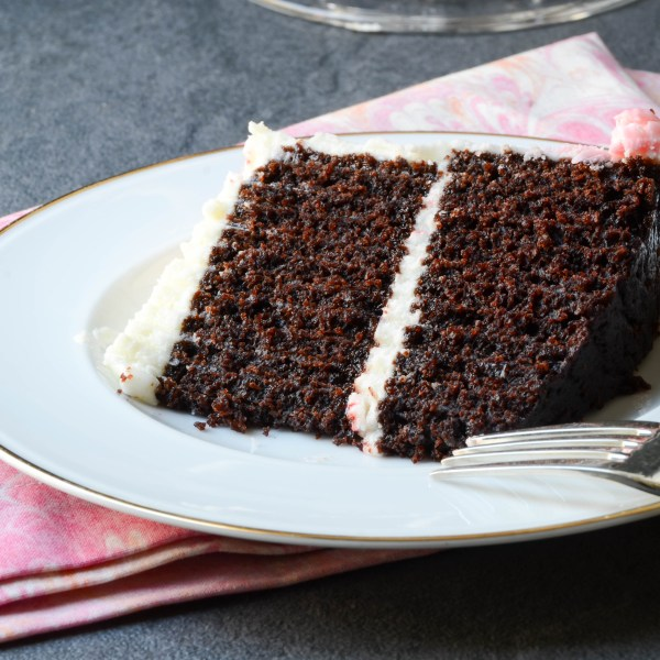 chocolate mint crock pot cake | Garlic + Zest