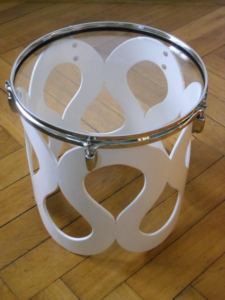 Schlagzeug Trommel, 6mm Float Glas, Lack, Gummi. Floor tom,6mm float glass,paint,rubber. Size: 43cm x 43cm