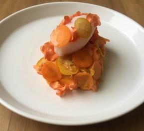 Pastel de zanahoria: Delicioso bizcocho enbetunado con puré de camote y queso.
