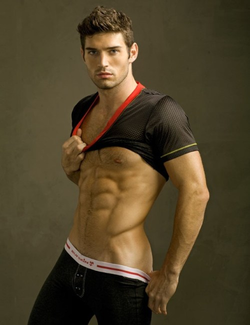 Bo Roberts - Muscles (and bulge?)