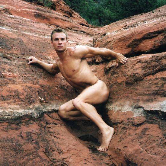 Derrick Davenport - Nude