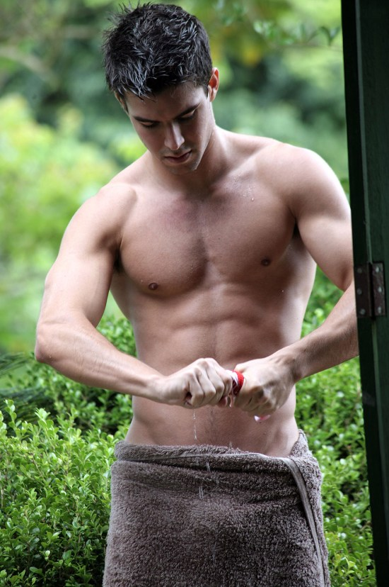 Bernardo Velasco Towel Hunk Oh my... Its Bernardo Velasco