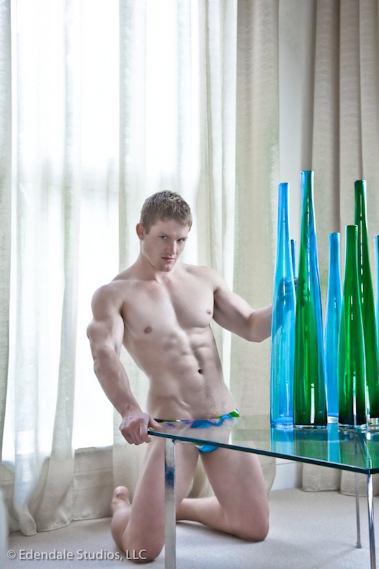LUMINOSITY by Mark Henderson Muscled Guys Posing 4 Muscle And Light   Luminosity By Mark Henderson