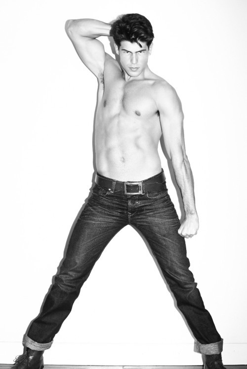 Carlos San Roman - Handsome As Handsome Can Be (4)