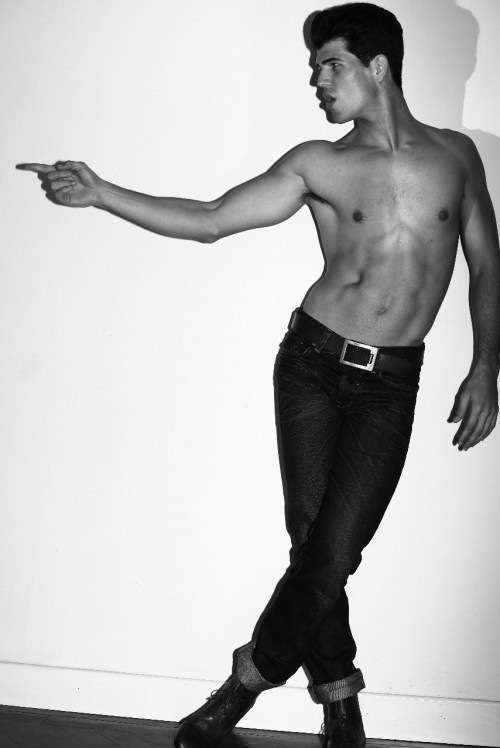 Carlos San Roman - Handsome As Handsome Can Be (3)