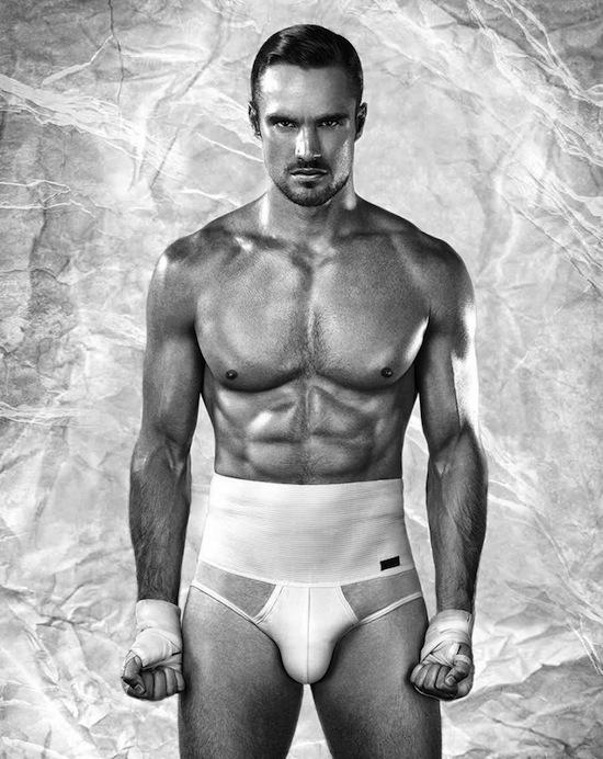 Rugby player Thom Evans in underwear (1)