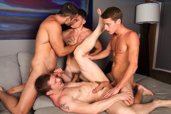 Gay Porn - Bareback Jock Orgy (5)