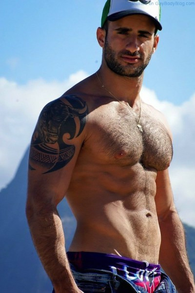 Dripping Wet With Hairy Hunk Eliad Cohen (1)
