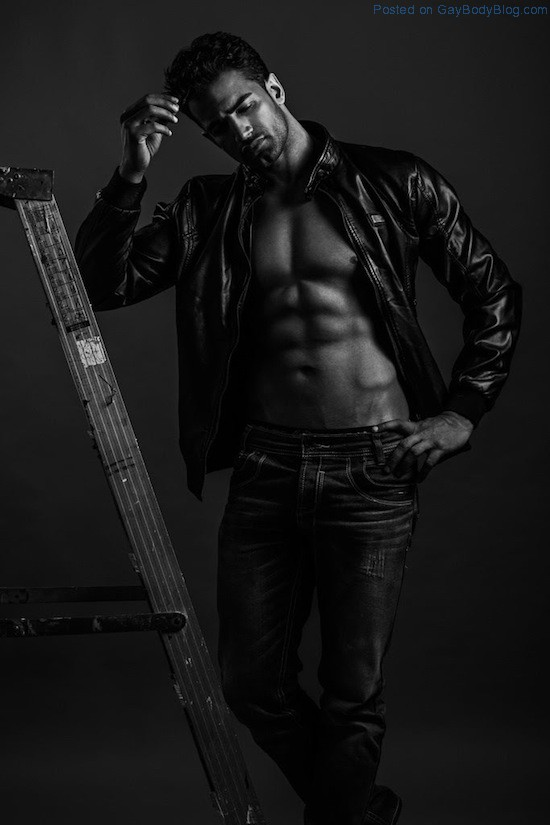 Bollywood Muscle Hunk Upen Patel 4 Bollywood Muscle Hunk Upen Patel