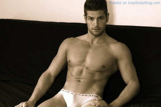 The Bulge Of Gorgeous Muscled Guy Jeremy Baudoin 4