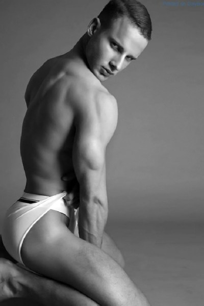Who Is This Gorgeous Model By Marco Ovando 1