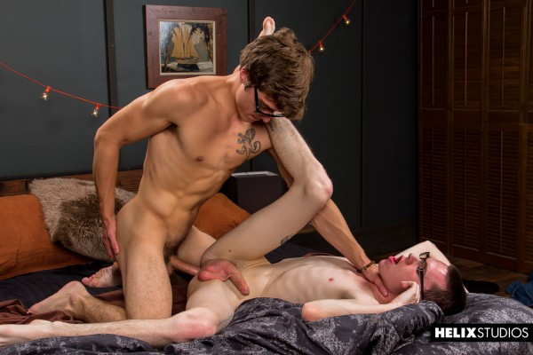Helix Studios: A more buff Blake Mitchell drills newbie Oliver Nash with his hella thick cock.