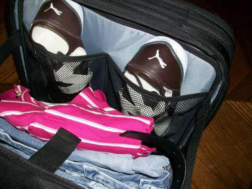 Built-in shoe holders of the Skooba Checkthrough Roller bag